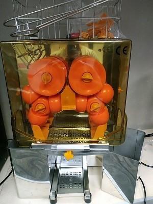 מסחטת תפוזים חשמלית מקצועית למכירה